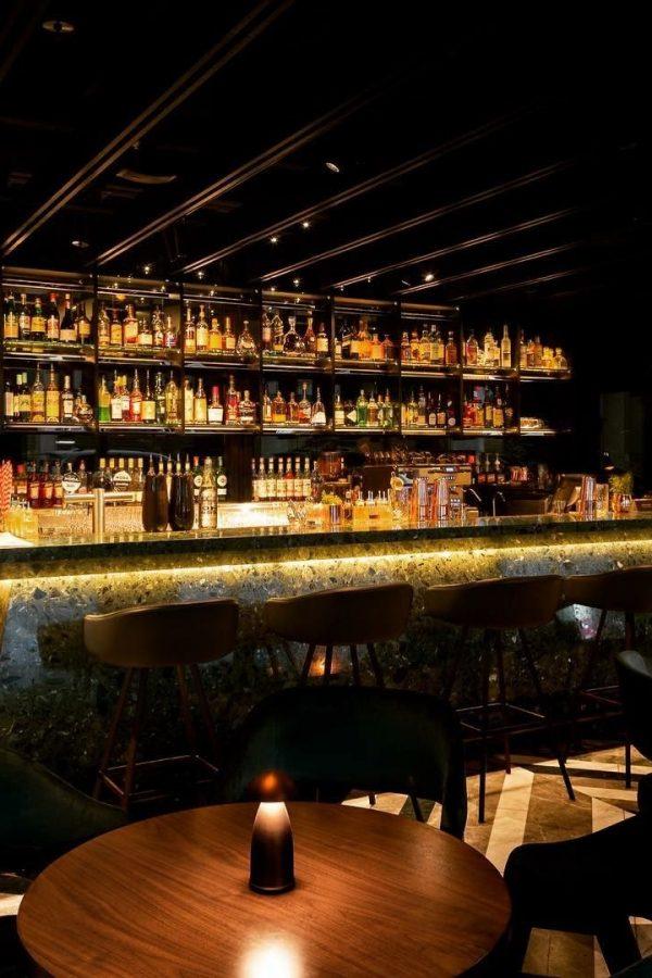 Hilton Bar Warmdim, Sydney, Australia